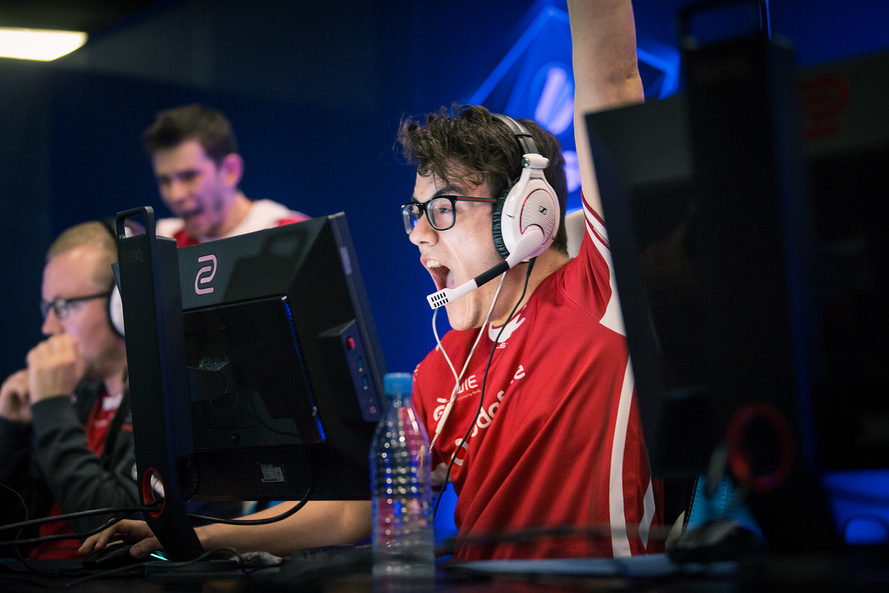 Home crowd favourites Mousesports winning an important round at ESL One Cologne 2017 group stage