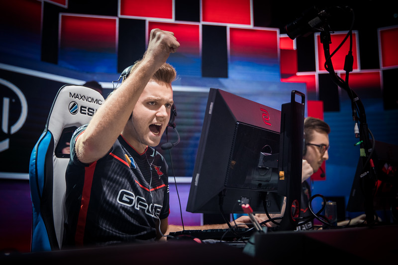 FaZe NiKo playing in the playoffs of ESL One Cologne 2017