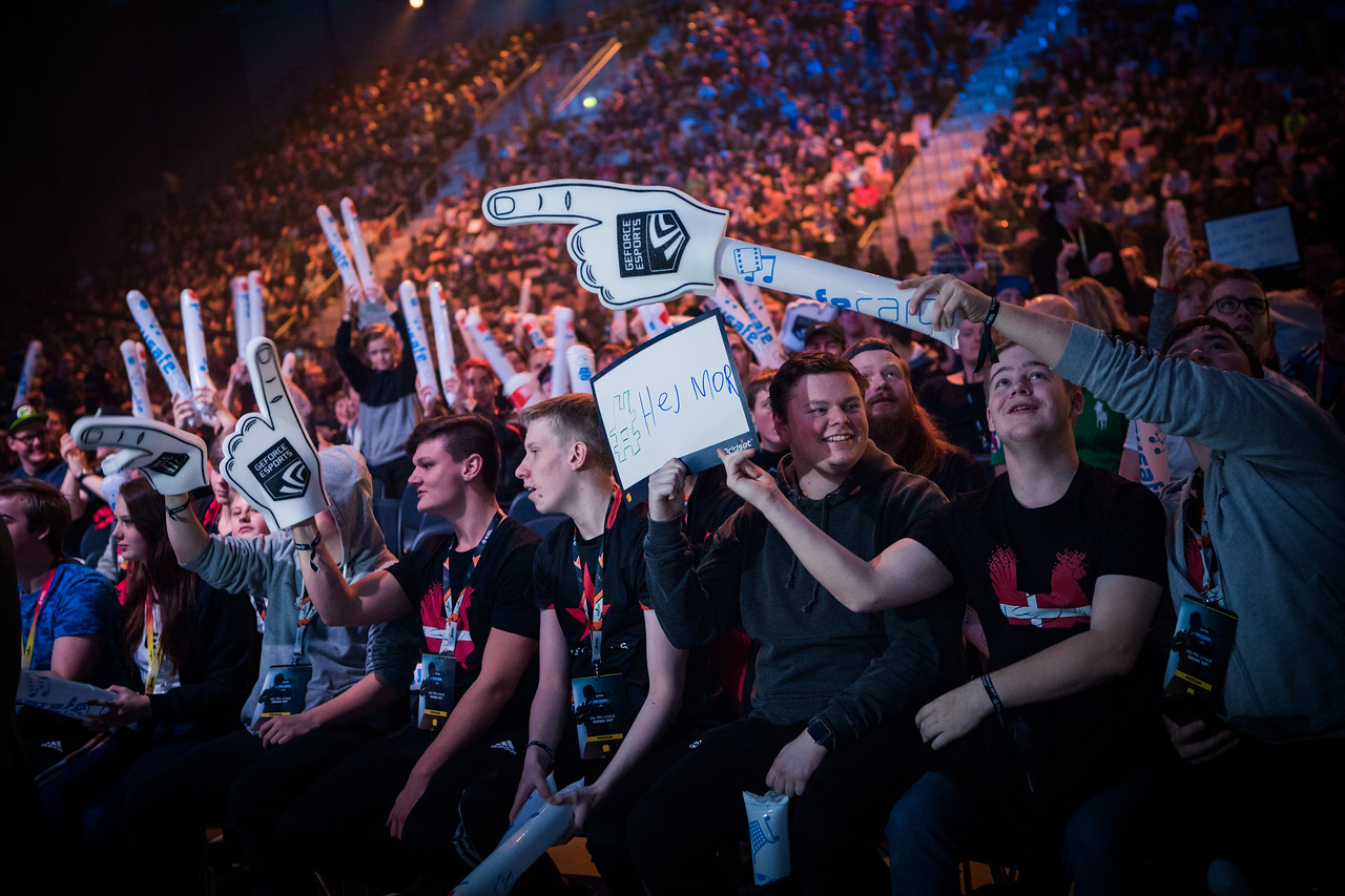 The amazing crowd of the EPL Season 6 Finals in Odense!