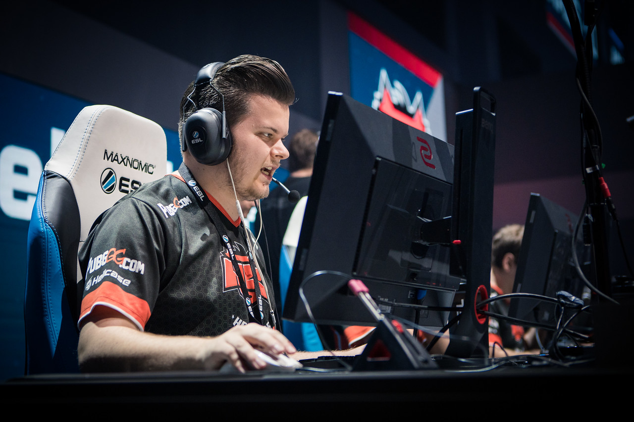 Hellraisers' Deadfox in full focus during the quarter-finals against G2