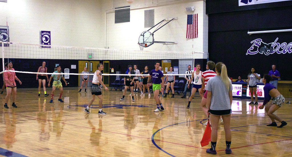 . Seniors and juniors battle during the Powderpuff Volleyball game on Thursday night. Photos by Nic Wackerly