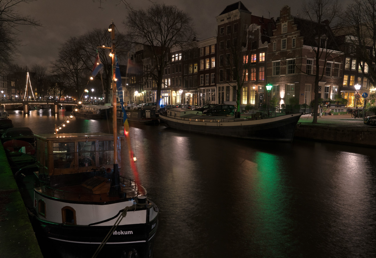 20161225KW_TLYL_Amsterdam_Boat_Parking
