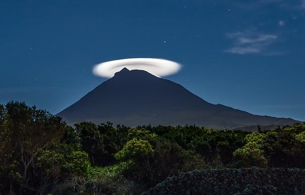 Cloud Hat on Pico Volcano