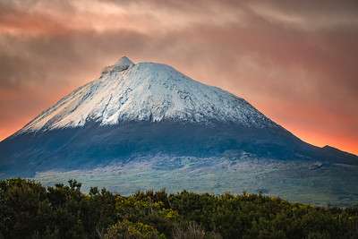 Sunrise on snow-capped Pico