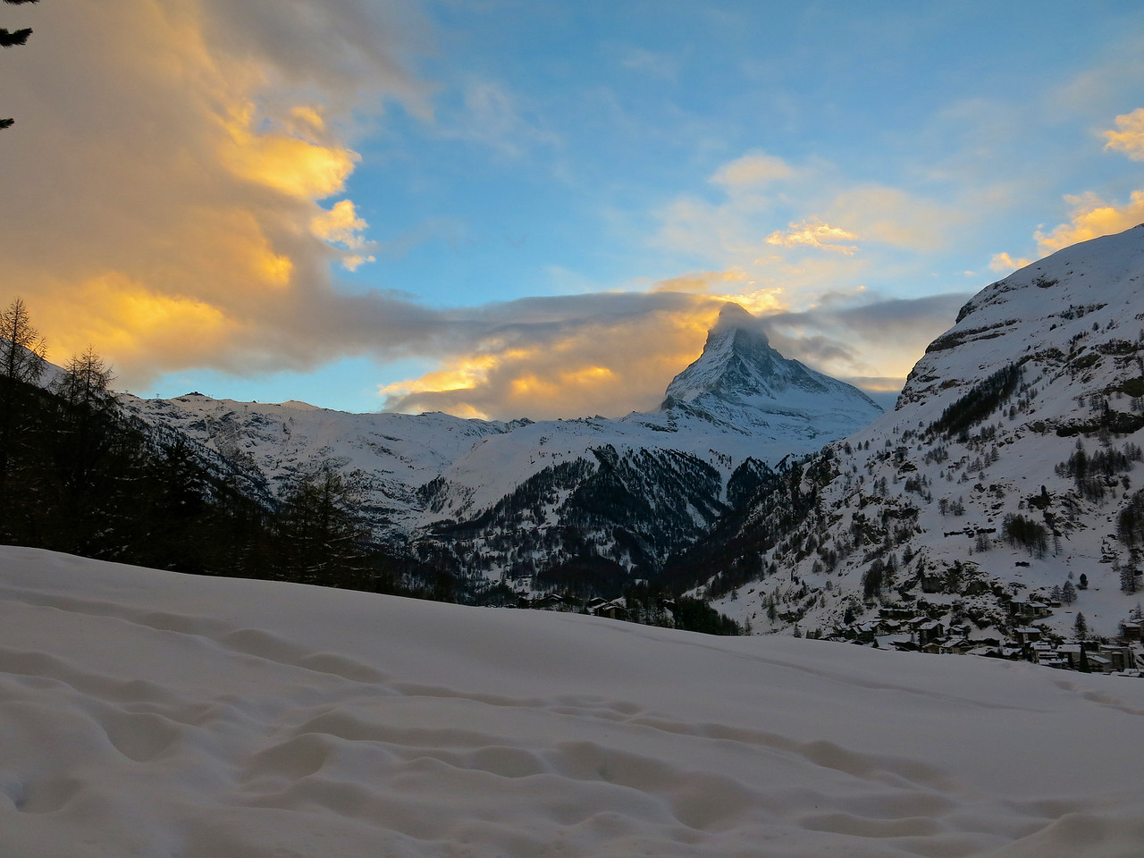 Sunset views of the Matterhorn from the west deck and hot tub.