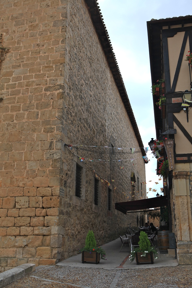 Throughout the small village there are a couple of cafes and places to stay.