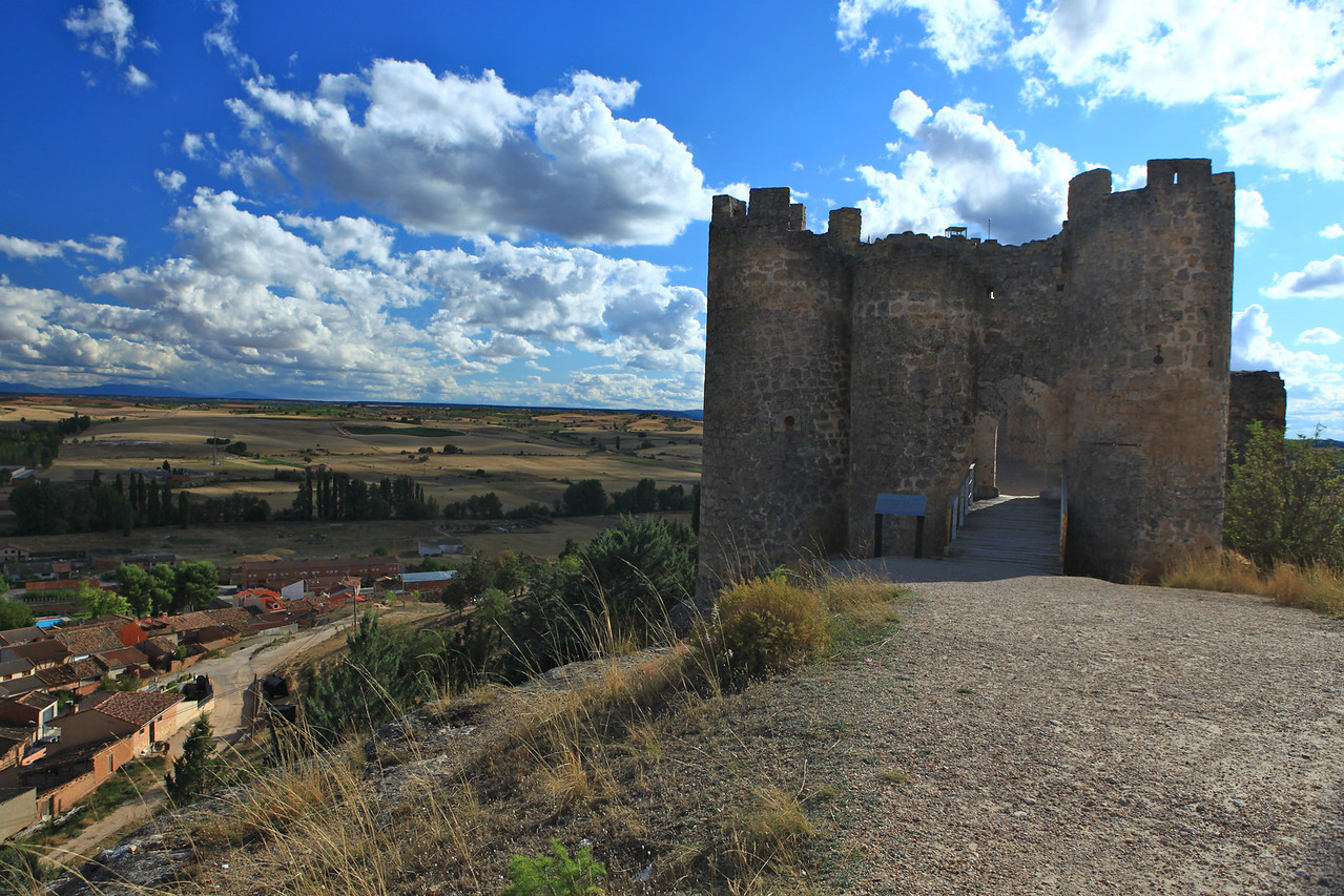 The castle above the village was built in the 1500s.  It was mainly used as a weapons store for the Count that lived in the palace below.   In earlier times there was a moat around the castle and a drawbridge was the only way to access the castle.