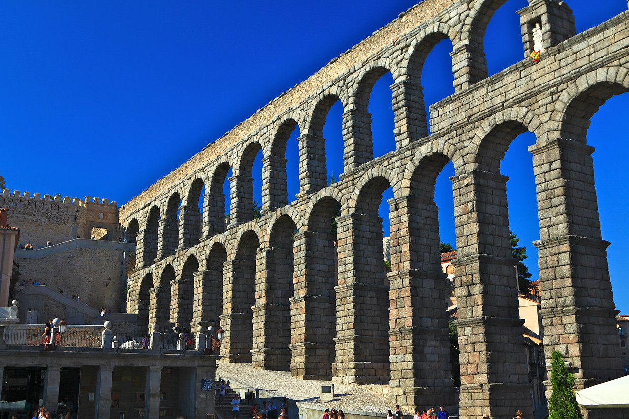 The aqueduct is the city's most important architectural landmark. It had been kept functioning throughout the centuries and preserved in excellent condition. It provided water to Segovia. Because of differential decay of stone blocks, water leakage from the upper viaduct, and pollution that caused the granite ashlar masonry to deteriorate and crack, the site was listed in the 2006 World Monuments Watch by the World Monuments Fund.