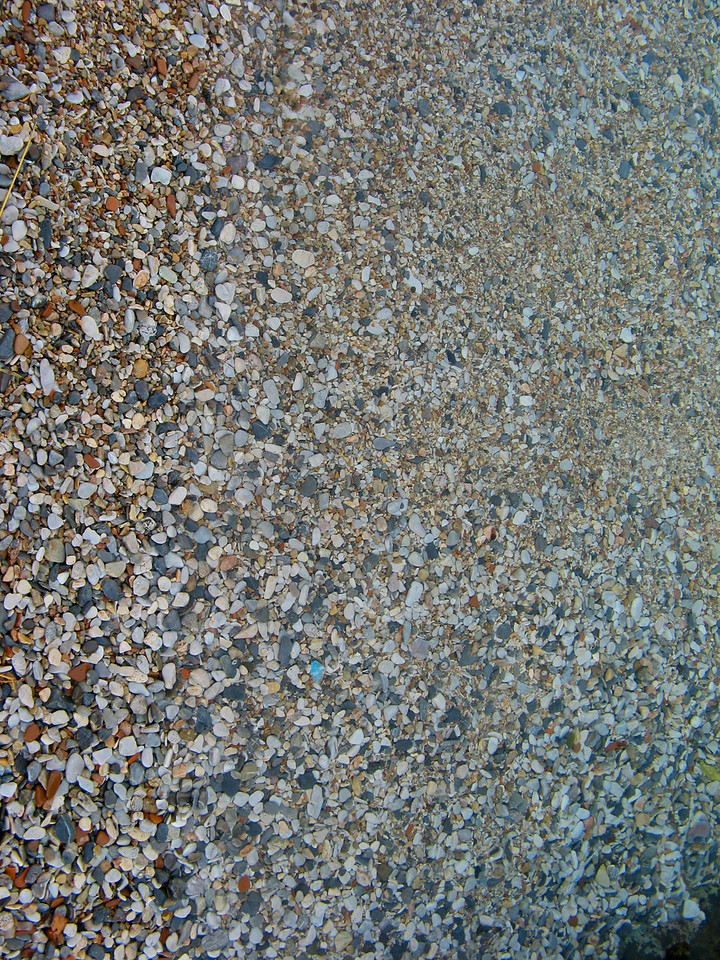 Here, as in most of Greece, the beaches are actually small gravel beaches.