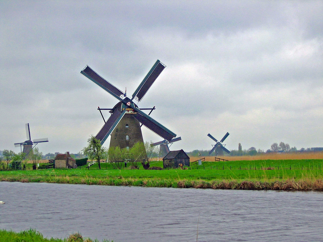 Of the near remaining 1000 windmills, there are more windmills here than in any other part of the world.