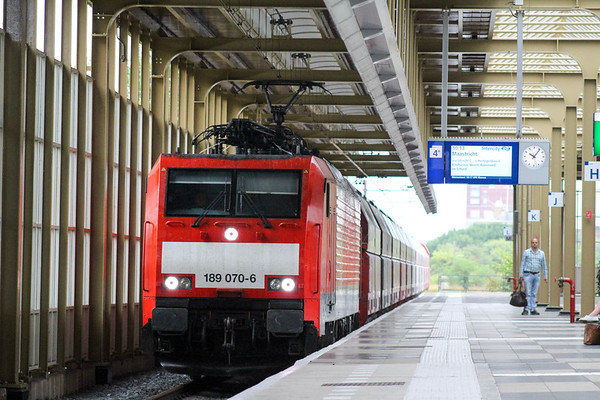 189 DB freight travelling through Amsterdam Amstel
