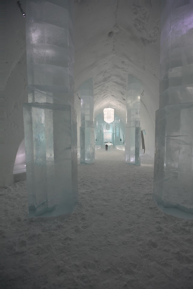 Once you're past reception, you enter the Ice Hall.  From here, you access the rooms.  There are 4 classes of rooms.  Snow rooms, made only of snow, Ice rooms, that include ice table & chairs, Art Suites and one Deluxe Art Suite.  Overall, there are 80 cold rooms and 26 warm rooms.