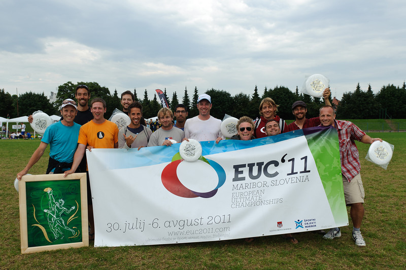 EUC2011, Maribor Slovenia.<br /> Award Ceremony. Master Division.<br /> Spirit Of The Game : Switzerland<br /> PhotoId :2011-08-06-1768