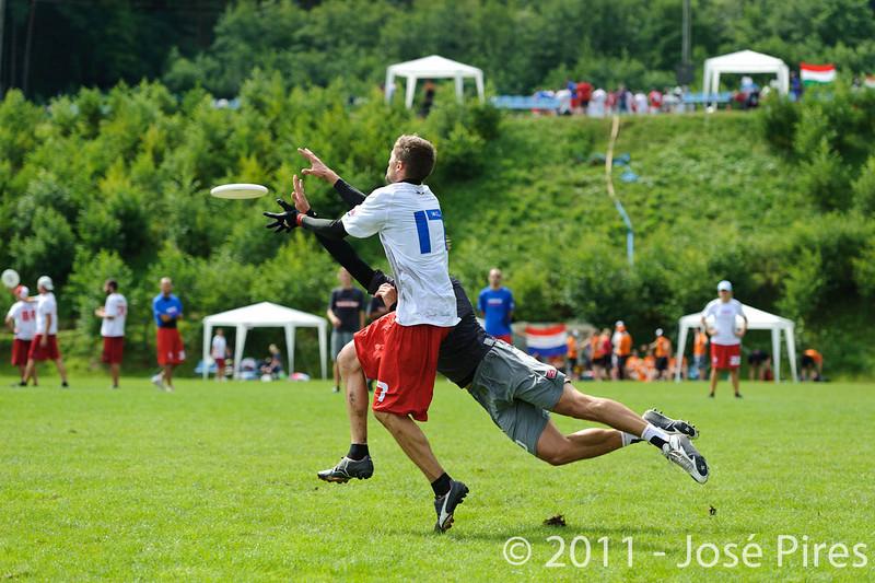 EUC2011, Maribor Slovenia.<br /> France vs Austria. Mixed Division.<br /> PhotoID : 2011-07-31-0113
