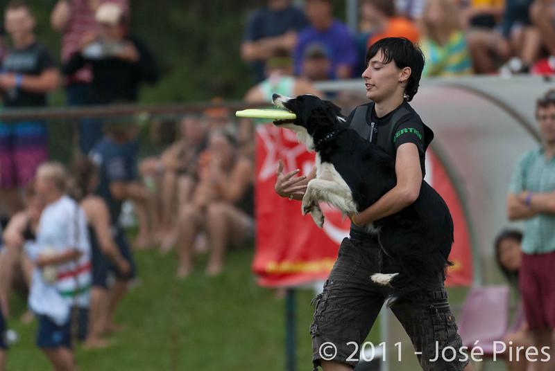 EUC2011, Maribor Slovenia.<br /> Frisbee Dog.<br /> PhotoID : 2011-08-06-0878