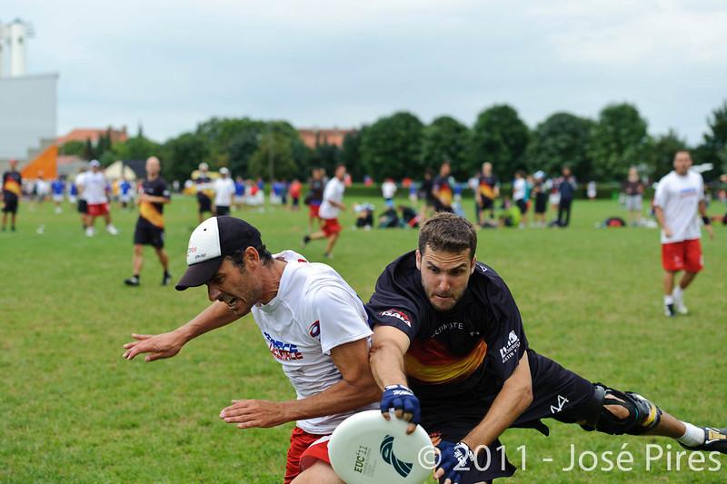 EUC2011, Maribor Slovenia.<br /> France vs Germany. 3rd Place. Master Division<br /> PhotoId :2011-08-04-0645