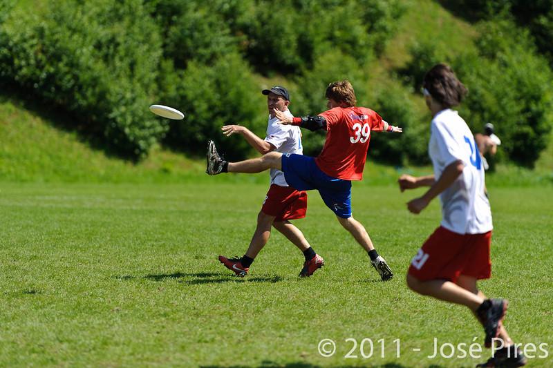 EUC2011, Maribor Slovenia.<br /> France vs Great Britain. Master Division.<br /> PhotoID : 2011-08-02-0816