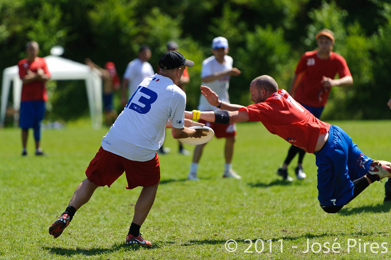 EUC2011, Maribor Slovenia.<br /> France vs Great Britain. Master Division.<br /> PhotoID : 2011-08-02-0748