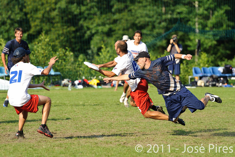 EUC2011, Maribor Slovenia.<br /> Finland vs France. Semi-Final. Master Division<br /> PhotoId :2011-08-03-1184