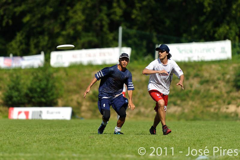 EUC2011, Maribor Slovenia.<br /> Finland vs France. Semi-Final. Master Division<br /> PhotoId :2011-08-03-0947