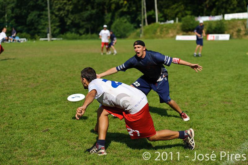 EUC2011, Maribor Slovenia.<br /> Finland vs France. Semi-Final. Master Division<br /> PhotoId :2011-08-03-0934