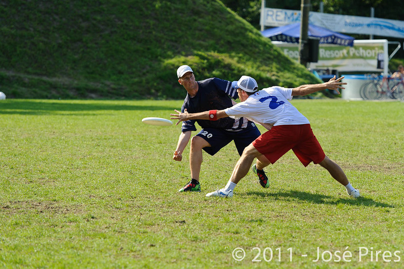 EUC2011, Maribor Slovenia.<br /> Finland vs France. Semi-Final. Master Division<br /> PhotoId :2011-08-03-1004