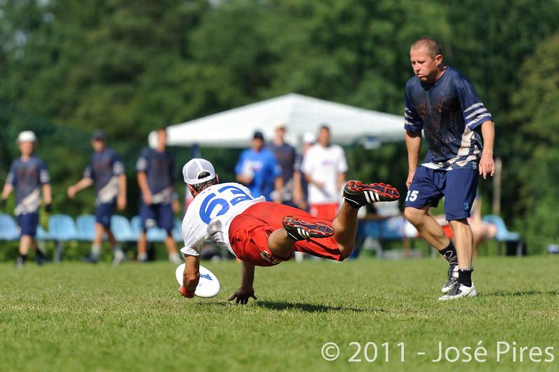 EUC2011, Maribor Slovenia.<br /> Finland vs France. Semi-Final. Master Division<br /> PhotoId :2011-08-03-0964