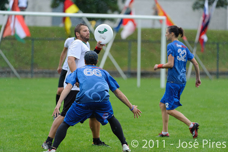 EUC2011, Maribor Slovenia.<br /> Opening Game.<br /> Slovenia vs Great Britain Mixed Division.<br /> PhotoID : 2011-07-30-0190