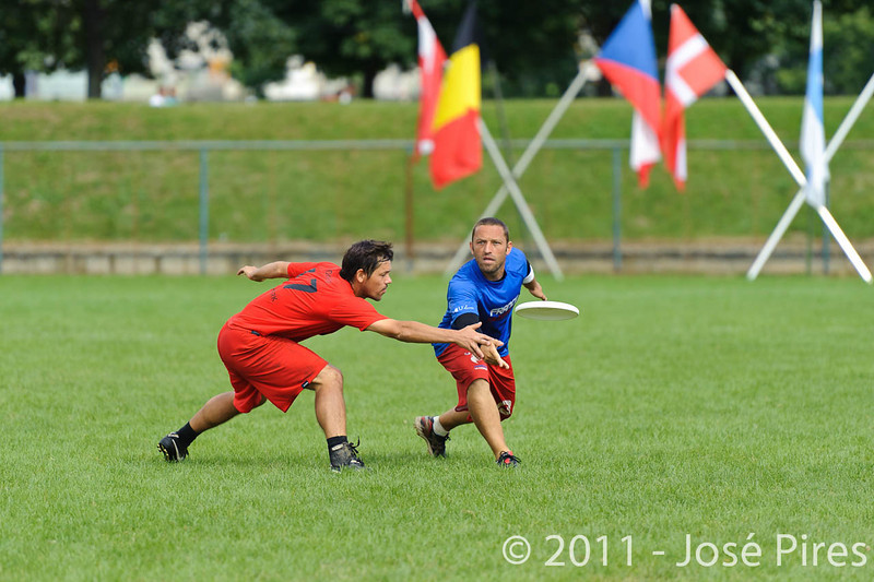 EUC2011, Maribor Slovenia.<br /> France vs Denmark. Pre-Quarterfinals. Open Division<br /> PhotoId :2011-08-04-0048