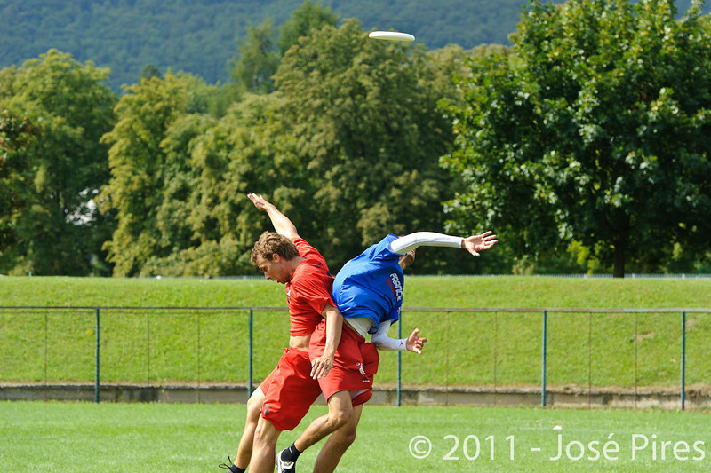 EUC2011, Maribor Slovenia.<br /> France vs Denmark. Pre-Quarterfinals. Open Division<br /> PhotoId :2011-08-04-0061