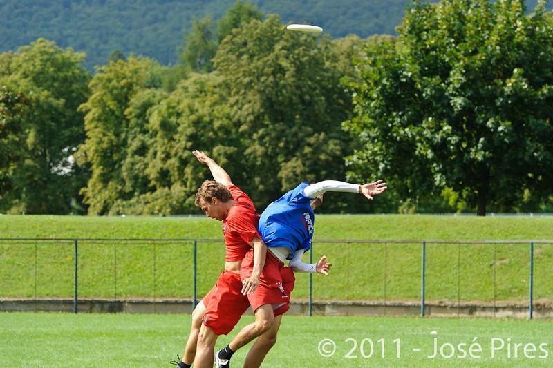 EUC2011, Maribor Slovenia.<br /> France vs Denmark. Pre-Quarterfinals. Open Division<br /> PhotoId :2011-08-04-0061