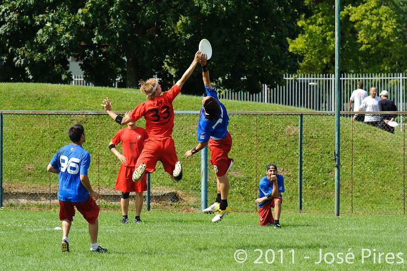 EUC2011, Maribor Slovenia.<br /> France vs Denmark. Pre-Quarterfinals. Open Division<br /> PhotoId :2011-08-04-0073