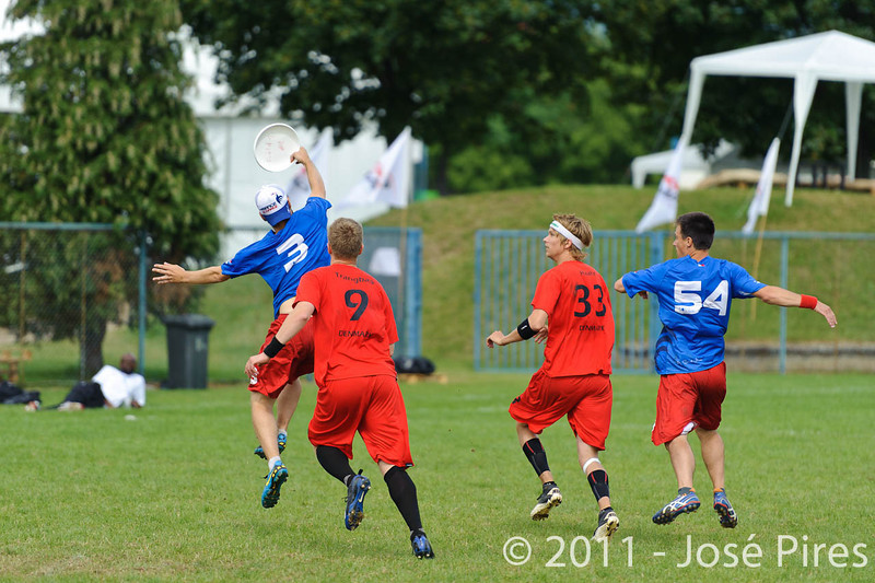 EUC2011, Maribor Slovenia.<br /> France vs Denmark. Pre-Quarterfinals. Open Division<br /> PhotoId :2011-08-04-0030