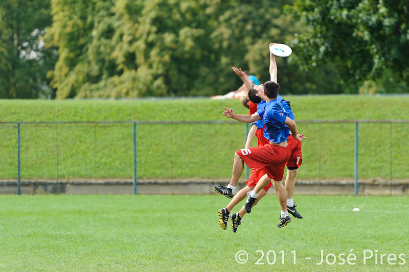 EUC2011, Maribor Slovenia.<br /> France vs Denmark. Pre-Quarterfinals. Open Division<br /> PhotoId :2011-08-04-0041