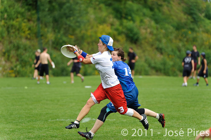 EUC2011, Maribor Slovenia.<br /> Sunday Pool game. France vs Czech Republic. Women Division.<br /> PhotoID : 2011-07-31-0056
