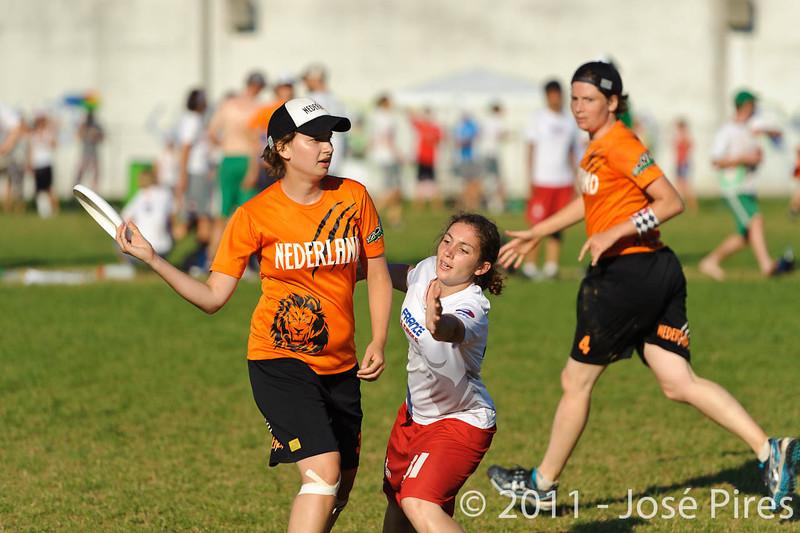 EUC2011, Maribor Slovenia.<br /> Netherlands vs France. 11th place. Women Division<br /> PhotoId :2011-08-05-0628