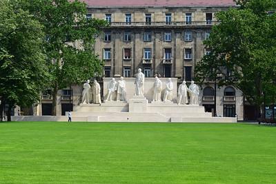 Kossuth Memorial, monumento publico dedicado al presidente hungaro Lajos Kossuth