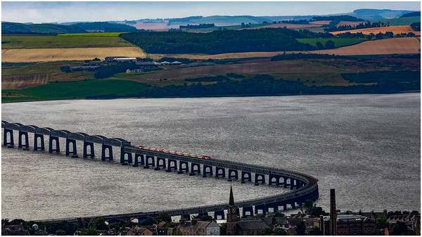 HST HEADING SOUTH ACROSS THE TAY - FROM DUNDEE LAW.