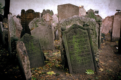 JEWISH CEMETARY - PRAGUE