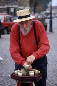 STREET ENTERTAINER - BUDAPEST