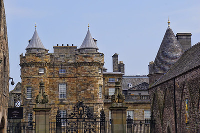 HOLYROODHOUSE CASTLE