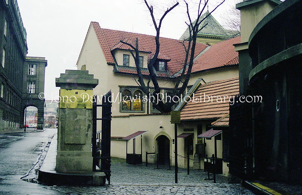 CZECH REPUBLIC, Prague. Miscellaneous synagogues and sights. (1998)