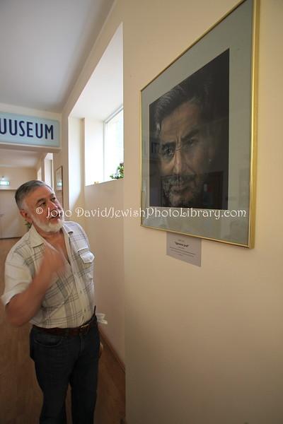EE 23  Amnon-Juzef Luvistsuk, directof the of the Estonian Jewish Museum