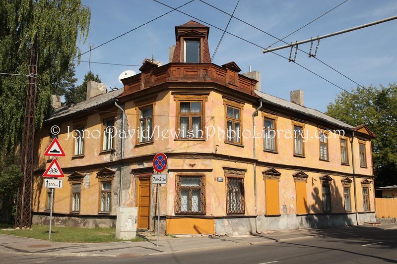 LV 819  Corner Lilanu iela and Ludzas iela
