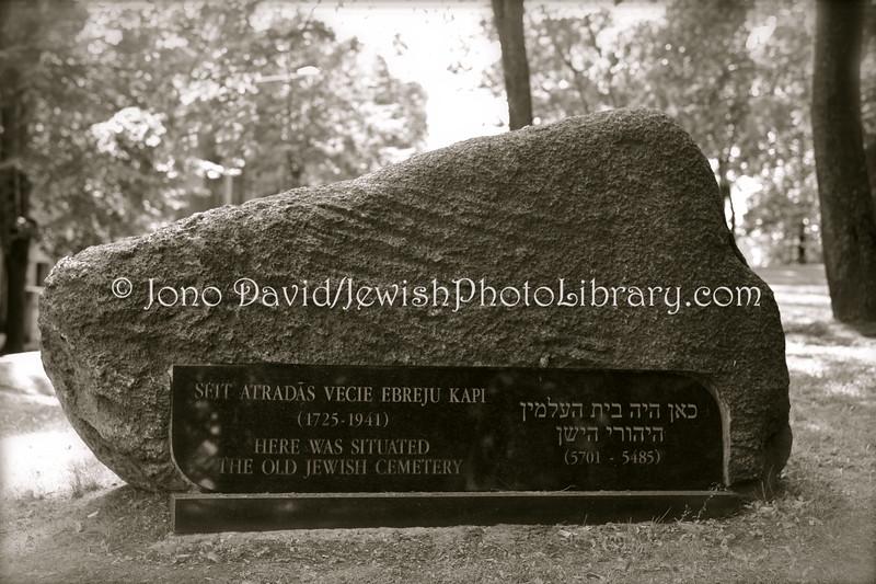 LV 777  Memorial stone, old cemetery