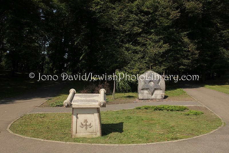 LV 798  Memorial, old cemetery