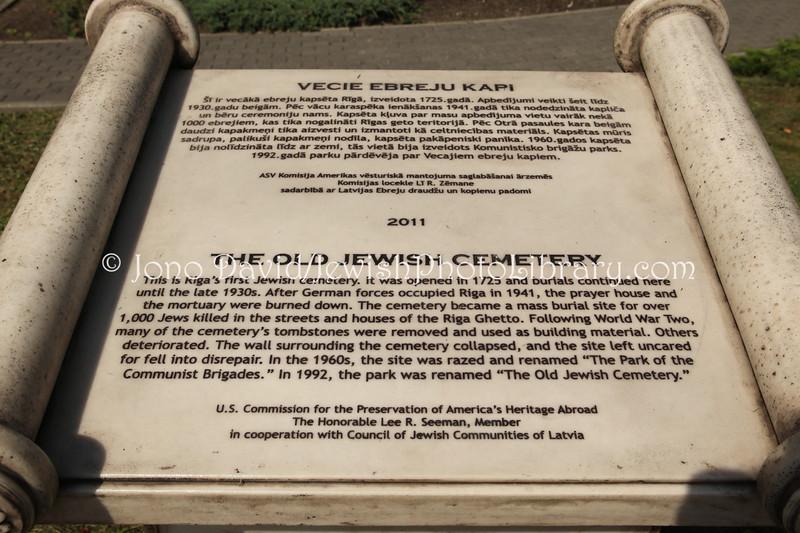 LV 792  Memorial, old cemetery
