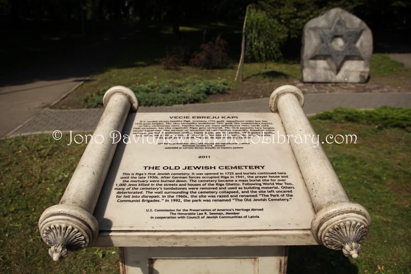 LV 795  Memorial, old cemetery
