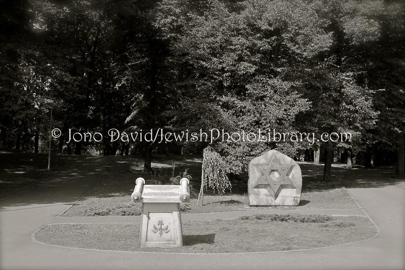 LV 797  Memorial, old cemetery