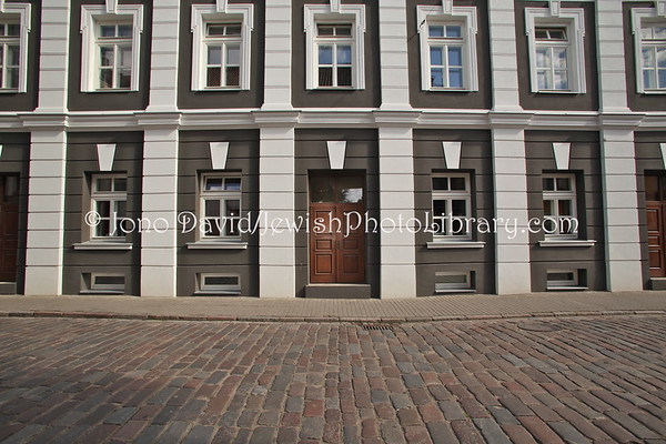 LITHUANIA, Kaunas. Yavne Boys High School (former), Dauksos Street. (9.2011)